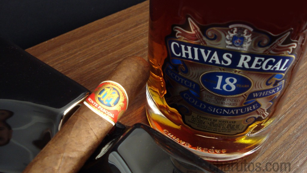 Charuto Monte Pascoal Robusto com Whisky Chivas Regal 18 anos