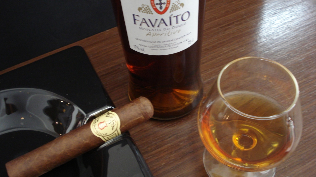 Charuto Don Diego Aniversario Robusto com Vinho Favaito