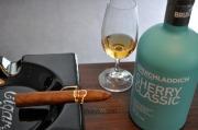 Charuto San Cristobal de La Habana La Punta com Whisky Bruichladdich Sherry Classic