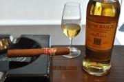Charuto H. Upmann Magnum 50 com whisky Glenmorangie The Original (Puro Malte)